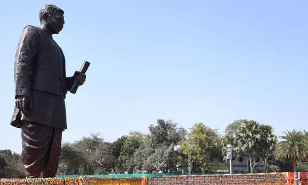 Narendra Modi unveils tallest Deendayal Upadhyaya statue
