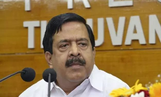 Phones of Kerala politicians, media being tapped: Congress