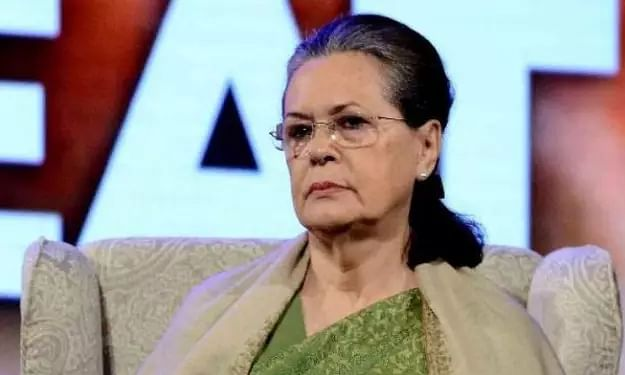 Sonia Gandhi -led Congress delegation meets President Kovind over Delhi riot