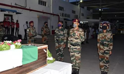Army jawan, martyred, Pune airport