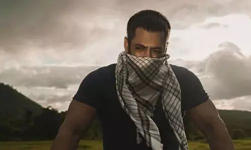 Salman Khan, eid wish, Tiger is back, social media, lockdown, new photo, lockdown diaries, Eid Mubarak