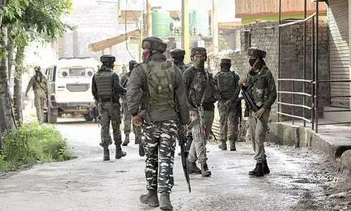 2 policemen killed in terrorist attack on the outskirts of Srinagar