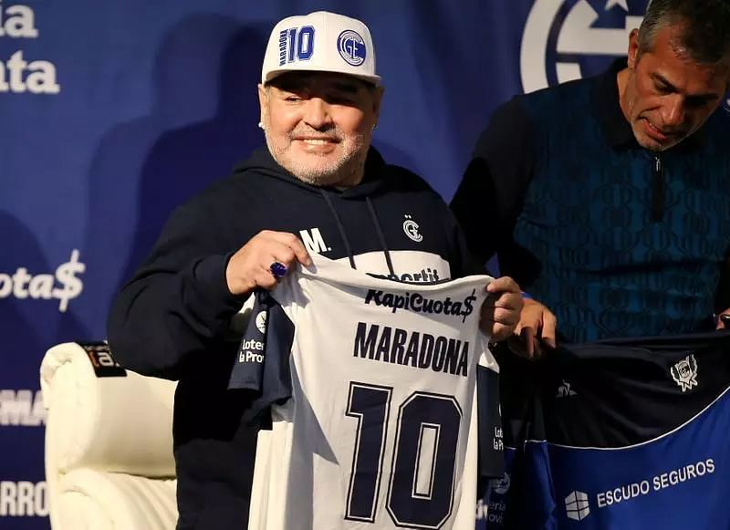 COVID-19: Diego Maradona self-isolating at home