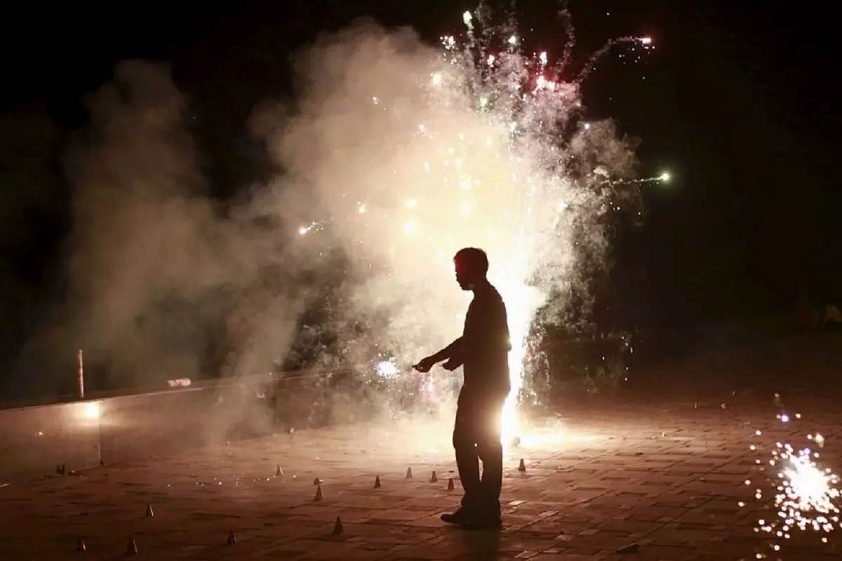 UP government undecided on cracker ban, sellers face uncertainty