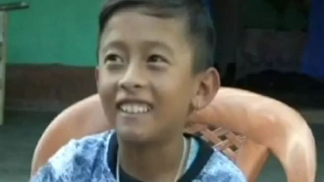 Manipur's boy with a single limb is a footballer