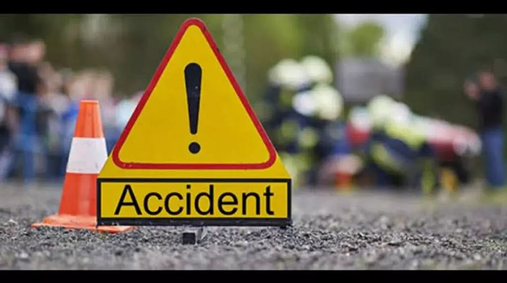 7 of family charred to death in Gujarat road accident