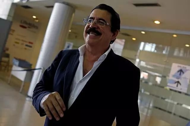 Ex-Honduran President stopped at airport over bag of cash