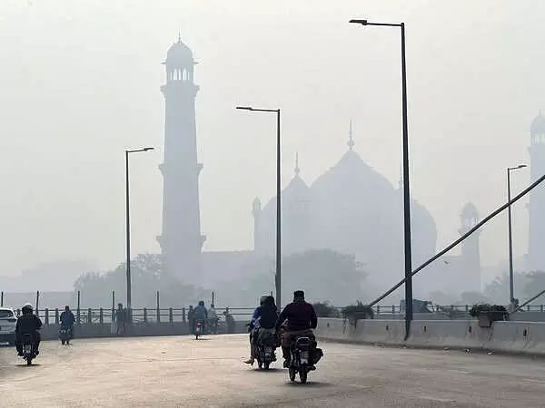 Lahore tops list of worlds most polluted cities