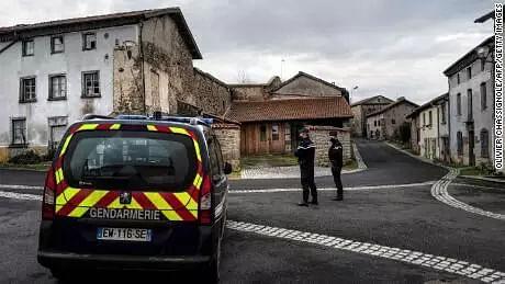 Gunman kills 3 cops in France