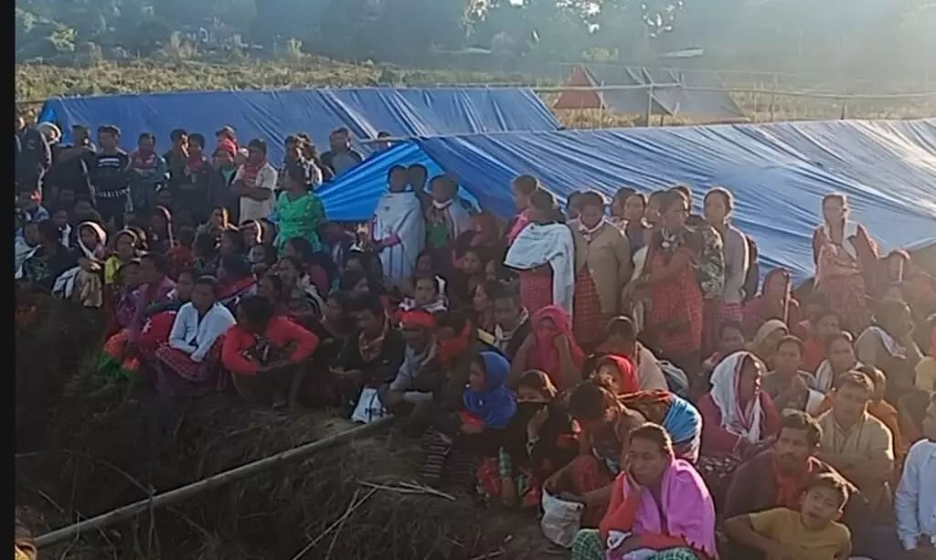 Assam: Flood-hit villagers of Laika-Dodhia set up relief camps near DC office