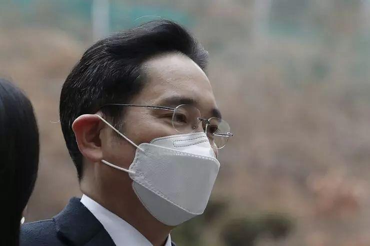 Samsung heir Lee wont appeal ruling in bribery case
