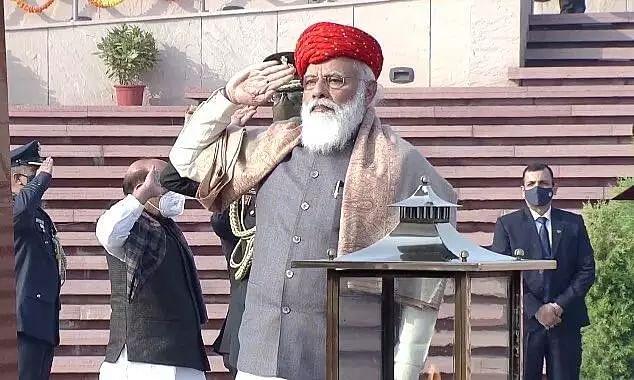 Republic Day 2021:  PM Modi Wears Paghdi Gifted from Jamnagar Royal Family