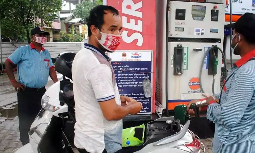 Petrol Price Breaches Rs 100 Mark in Rajasthans Sri Ganganagar; Guwahati Not Far Behind