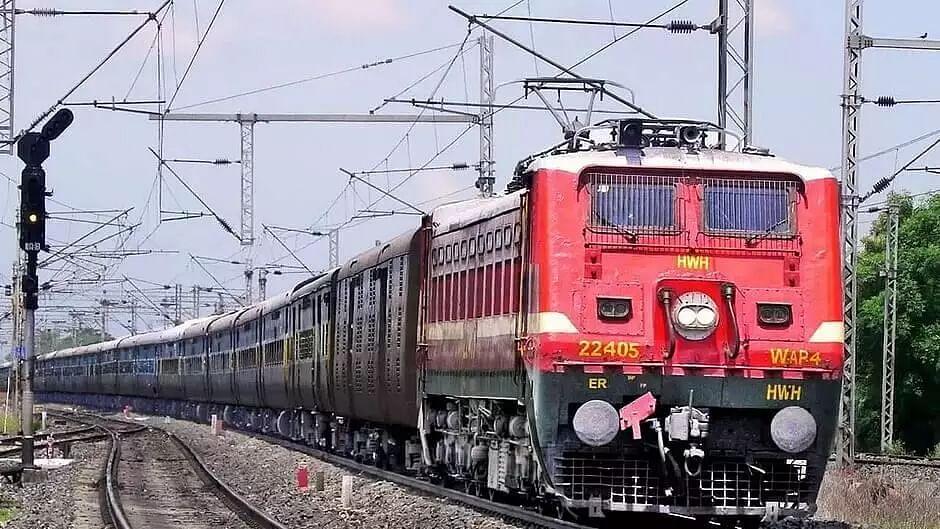 First Vyapar Mala Express from Delhi reaches Tripura