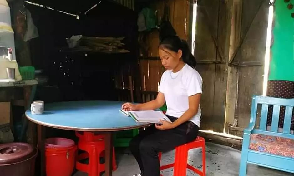 Mizoram daily wage labourers daughter secures 8th position in 12th board exams