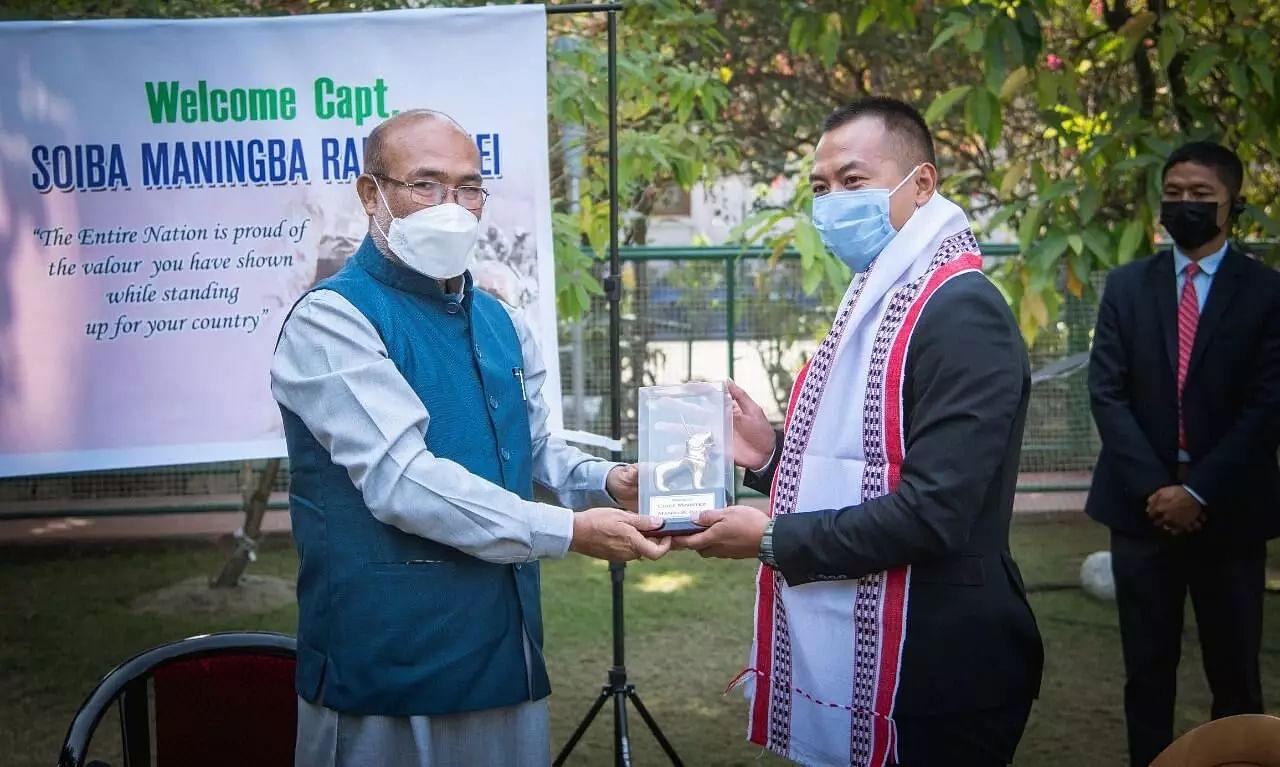 Manipur CM Felicitates Capt Soiba Maningba Rangnamei for his Bravery at Galwan Valley