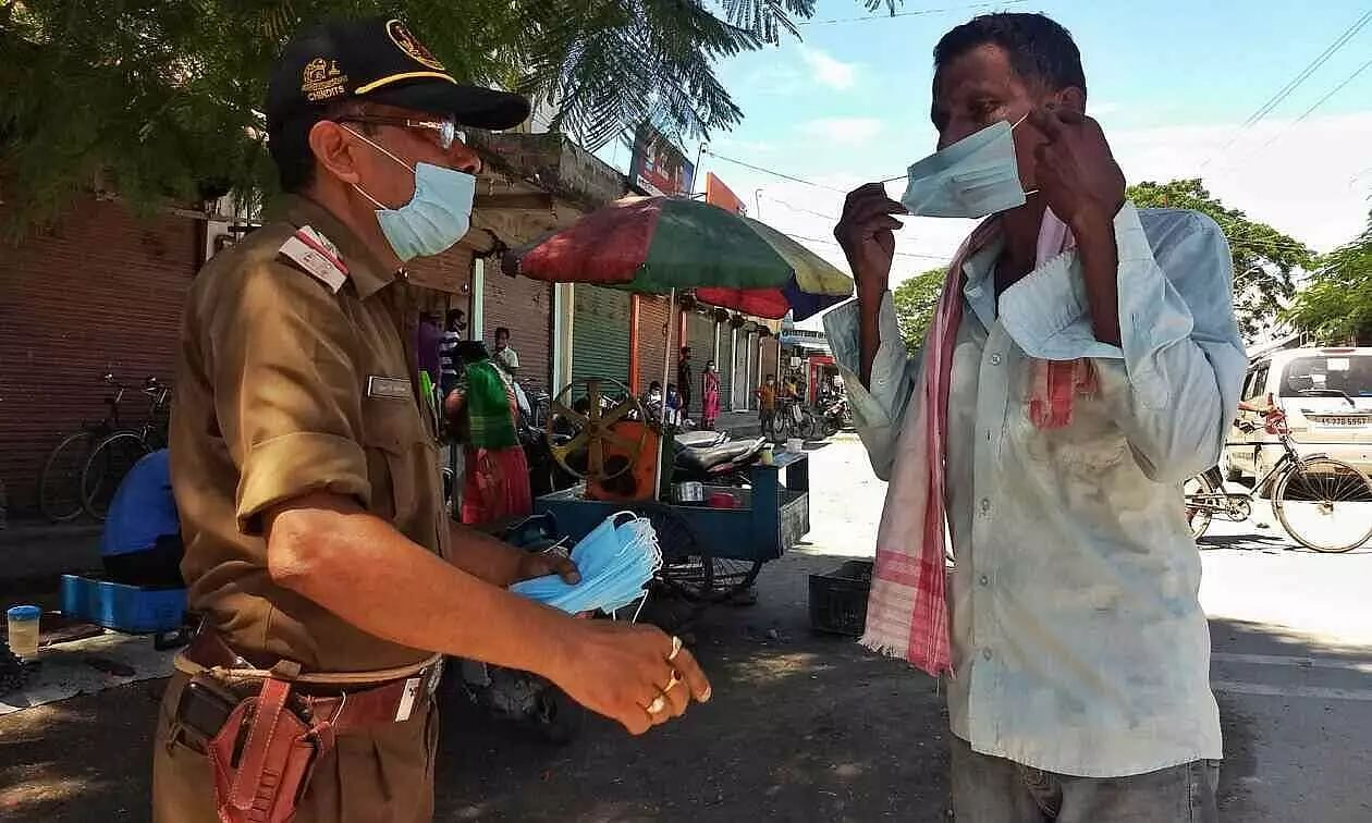 Tangla Police take strong measures against people without masks