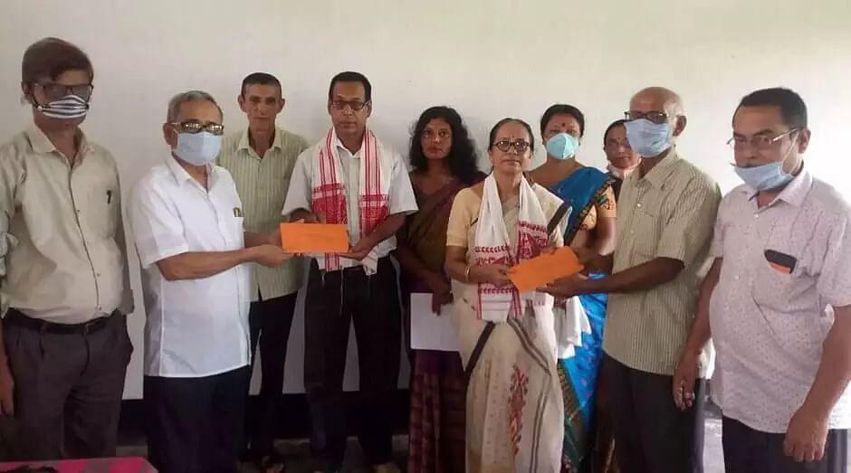Dakhin Nagsankar High School, Jamugurihat bids farewell to teachers