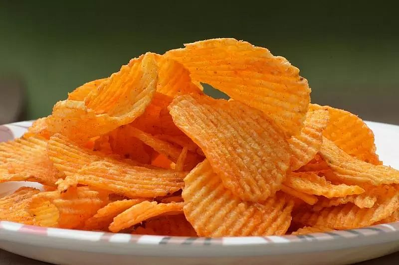 Why eating potato chips, chocolates may harm your kidneys