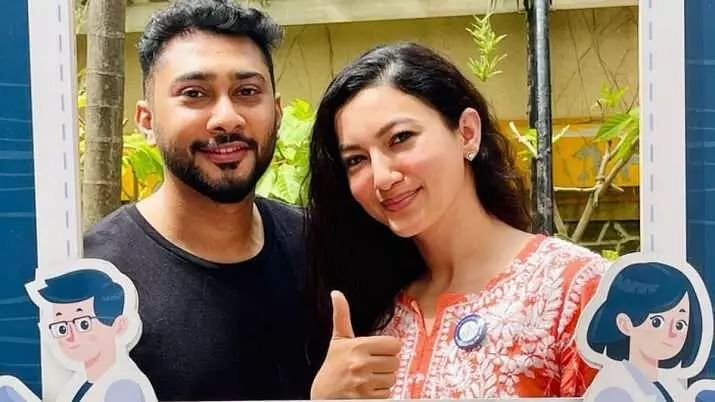 Gauahar Khan urges all to help their staff get vaccinated