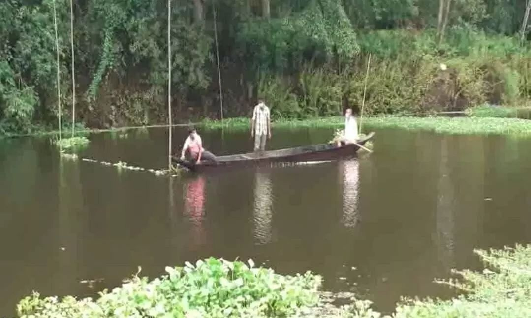 Fish out of Water: Condition of Moran Fishermen