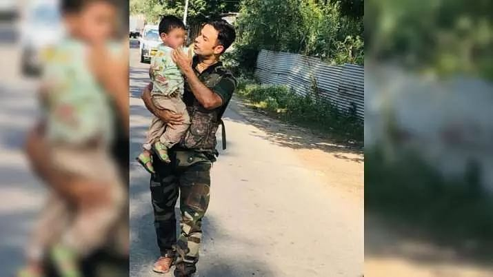 Police rescue 3-year-old crying over grandfathers body following Sopore terrorist attack