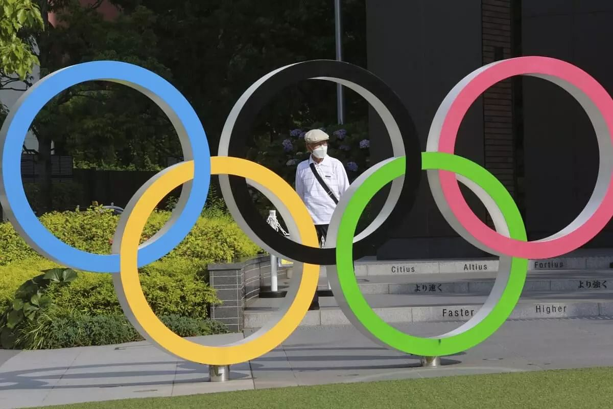 Tokyo agrees to allow 10,000 local spectators at venues