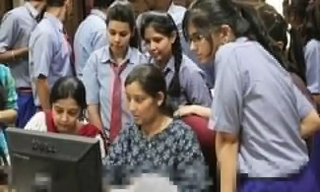Supreme Court Rejects Plea Challenging Cancellation of CBSE, ICSE Exams; Upholds Boards Evaluation Policy