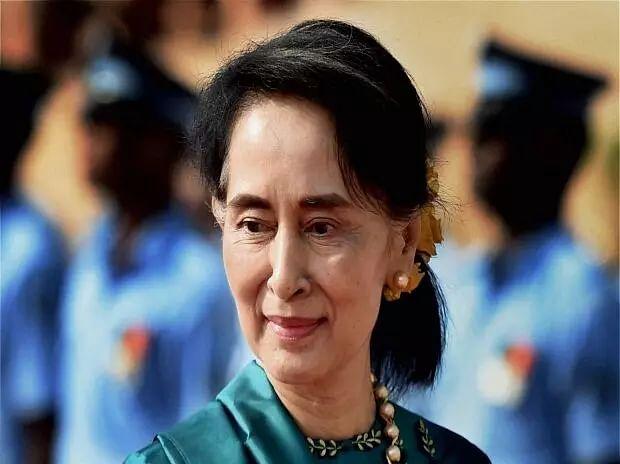 Suu Kyis spokesman freed in Myanmar