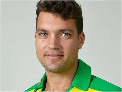 Alex Carey replaces injured Aaron Finch