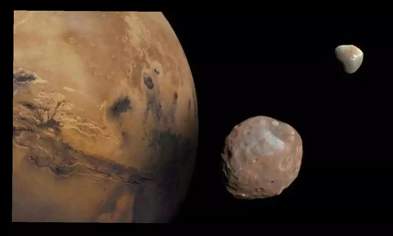Mars Orbiter photos of Red Planets biggest moon released