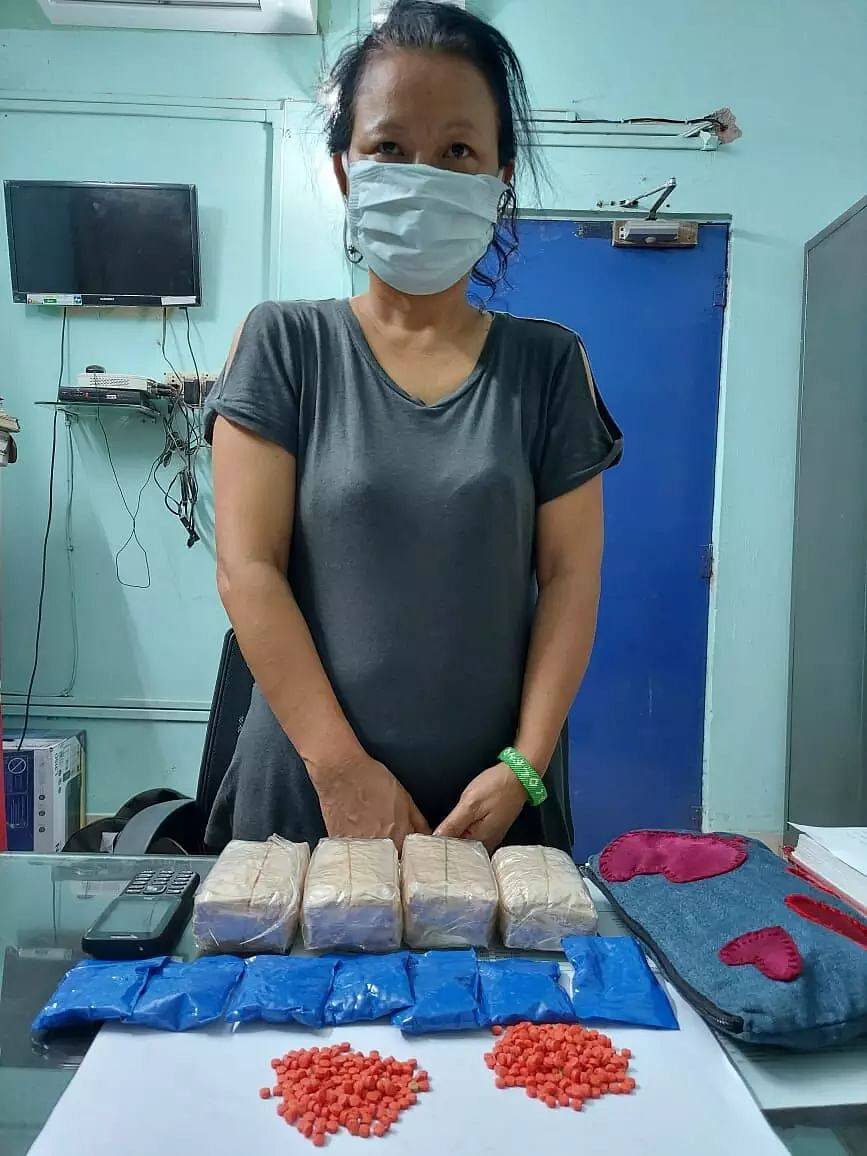 Lady Drug Trafficker Held With Large Quantity of YABA Tablets
