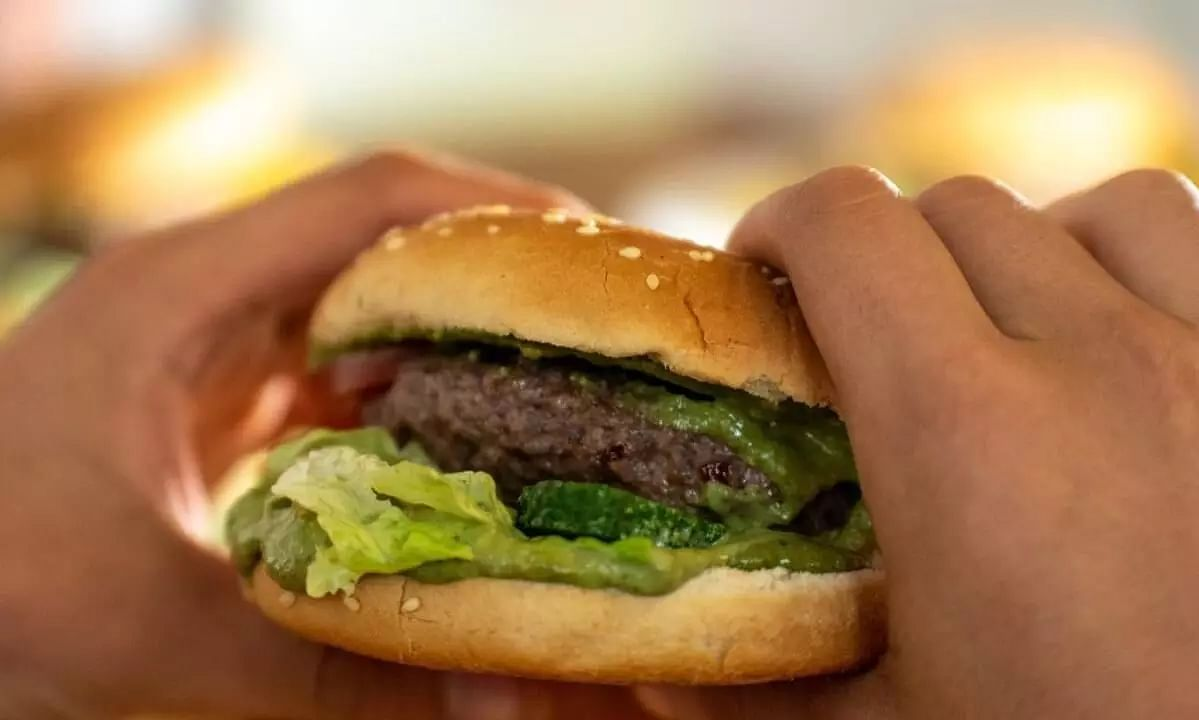 Decomposed Human Finger Found In Womans Hamburger In Bolivias Hot Burger Chain