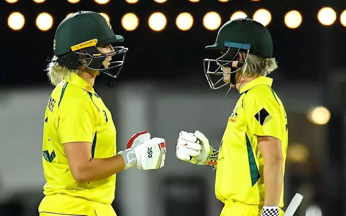 Australia beat India in last-ball thriller