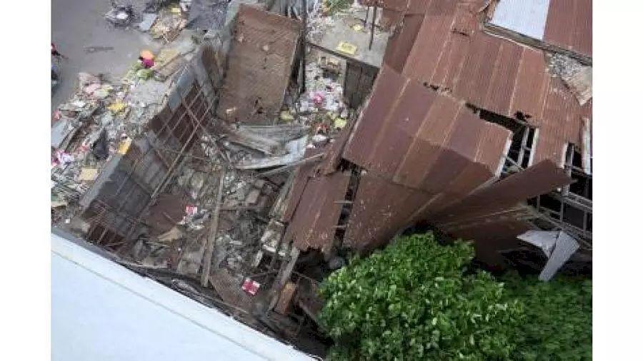 Quake jolts Manila